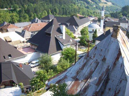 Jajce bovenaanzicht: gerepareerde daken