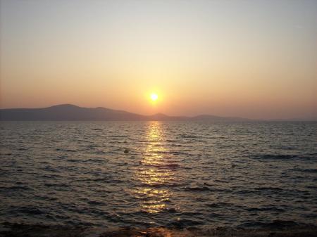 genieten van zonsondergang